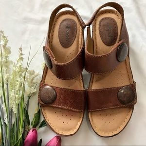 🆕SOFTSPOTS Leather Wedge Sandals