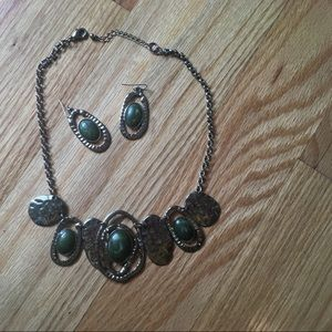 Jewelry - Gold and green earring and necklace set