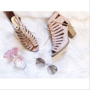 Nude Lace Up Sandals🎀