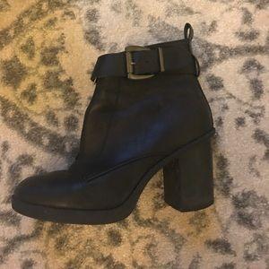 Primark Shoes - Perfect black bar shoes
