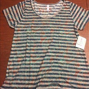 LuLaRoe Tops - LulaRoe classic t shirt