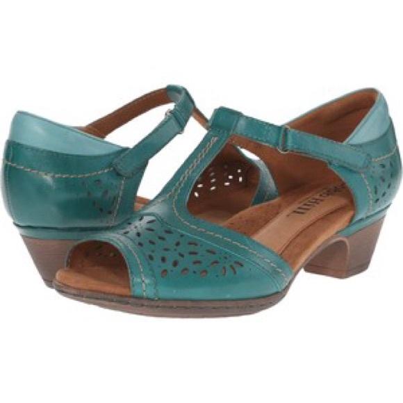 low priced fb924 aff9e Cobb Hill Alyssa teal T- strap sandal