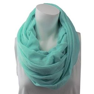 NWT scarf in mint color