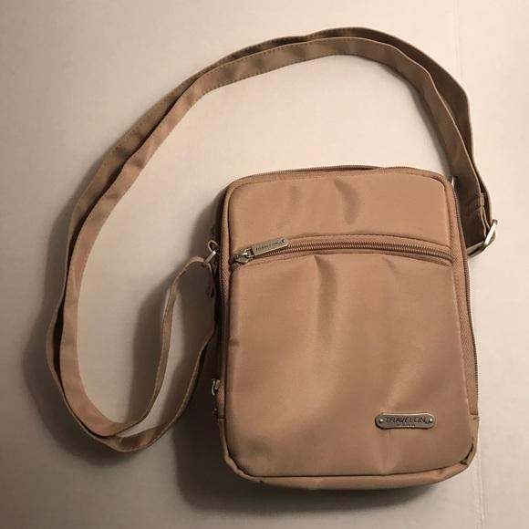 Travelon 3 Compartment Expandable Shoulder Bag 72
