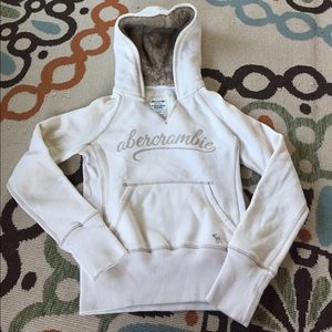 Abercombie Kids Other - Abercrombie cream and fur super soft hoodie
