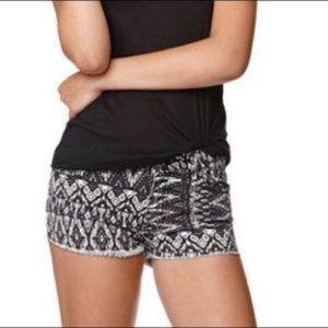 Bullhead size 3 printed shorts