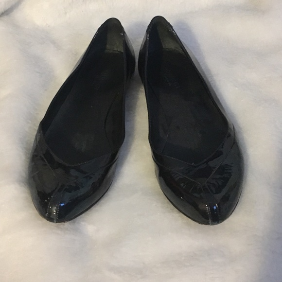 9eae5dc74a8 Gucci Shoes - Gucci black ballet flats