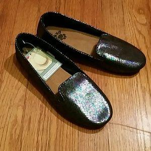 Dawgs Shoes - Brand new Flats Black Iridescent 10