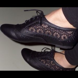 Shoes - Black oxfords