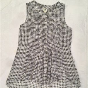 Tops - High Low sleeveless Blouse