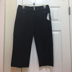 NWT! LARRY LEVINE ! black denim Capri Sz 8