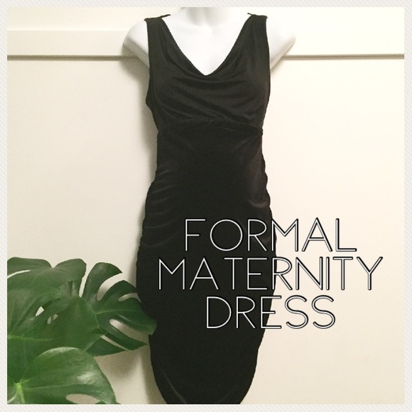 Motherhood Maternity Dresses & Skirts - Maternity black formal dress medium