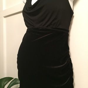 Motherhood Maternity Dresses - Maternity black formal dress medium