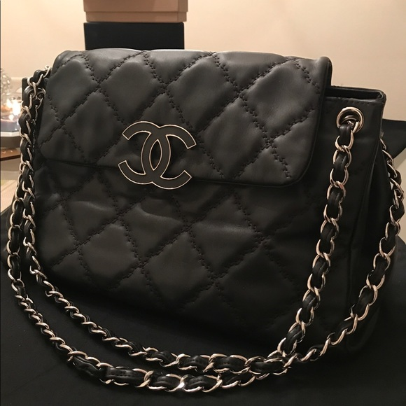 CHANEL Handbags - Chanel Hampton accordion flap bag fcd9c33ec9a4f