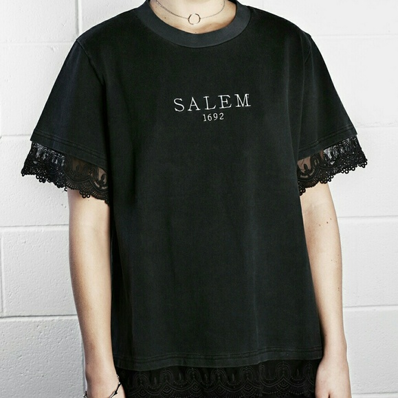 53ba13e01afe5 Disturbia Salem washed tee shirt black lace