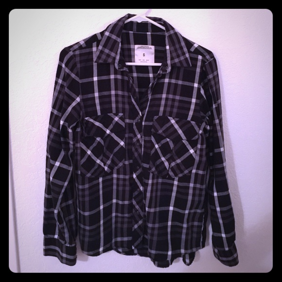 79 off zara tops black white and grey zara plaid flannel from kris 39 s closet on poshmark. Black Bedroom Furniture Sets. Home Design Ideas