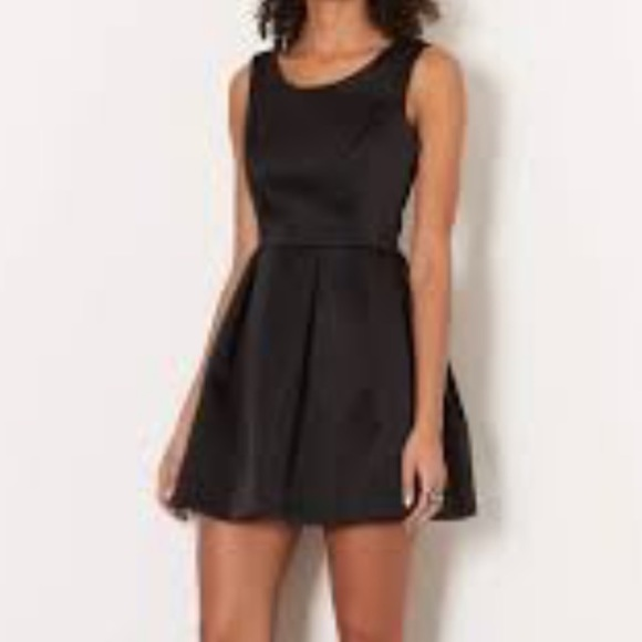 Topshop Dresses Black Structured Dress With Bow Detail Poshmark
