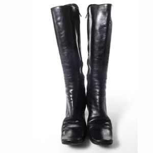 CNC Costume National Shoes - COSTUME NATIONAL BLACK KNEE HIGH BOOTS SIZE 7.5