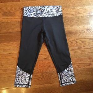 Vie active bandier carbon38 crop leggings size Xxs