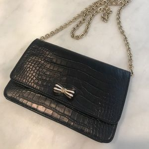 henri bendel Handbags - Henri Bendel Snake Embossed Purse