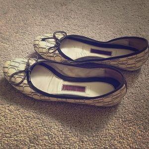 Carolina Herrera Shoes - Beautiful Carolina Herrera flats 👌🏽♥️👌🏽