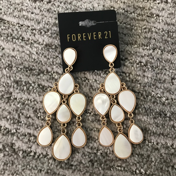 Forever 21 forever 21 chandelier earrings white gold for Forever 21 jewelry earrings