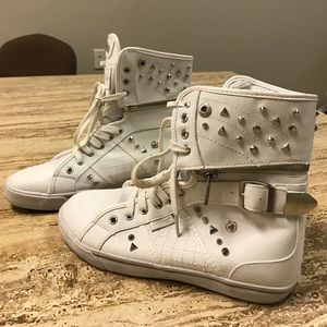 Cupcakes & Pastries Shoes - White and silver pastry's