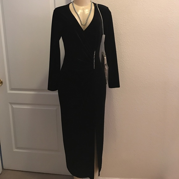 d84f14aae48 david wayne Dresses   Skirts - David Wayne vintage velvet black dress
