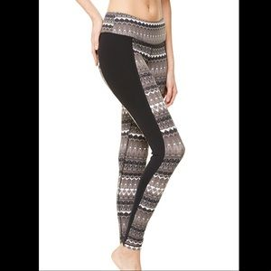 ALO Yoga Pants - Alo yoga illusion legging 3 artic natural black