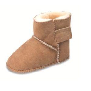Minnetonka Other - Toddler Minnetonka Sheepskin Pug Boots