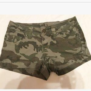 Pants - Sexy Camo short shorts