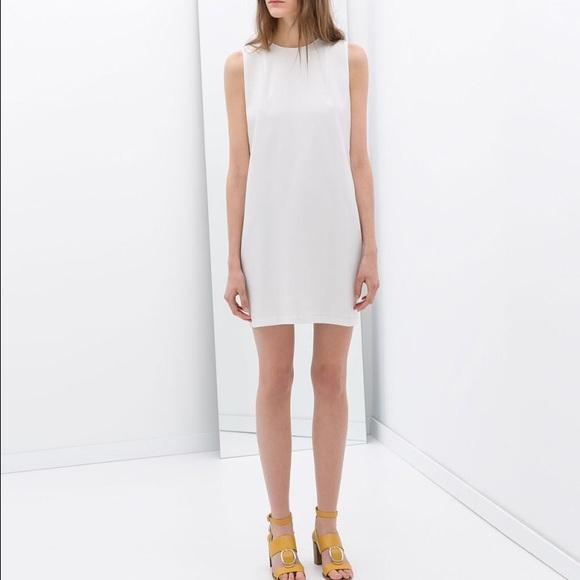 8b6333eb29bdd5 PRICE DROP Zara White Sleeveless Shift Dress. M 592f177f2de5120f5700f1b5