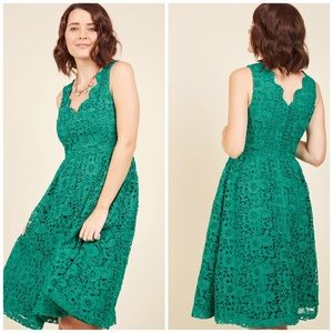 Modcloth Green Lace Scalloped Plus Size Dress