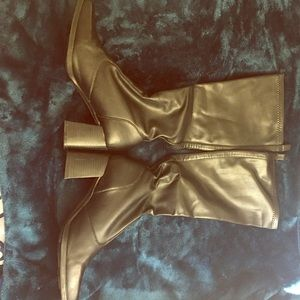 Selling all black calf boots