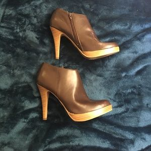 Selling all brown/tan ankle booties