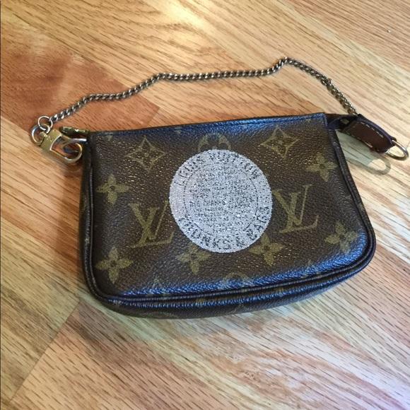fbdd9c798 Louis Vuitton Handbags - Louis Vuitton Monogram Mini Pochette Trunks & Bags