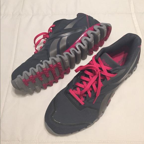 Reebok ZIGNANO women s running shoes. M 592f235a5a49d0dd8e0ae5ba e28383bb7