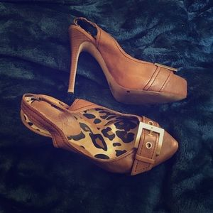 Selling these Jessica Simpson heels