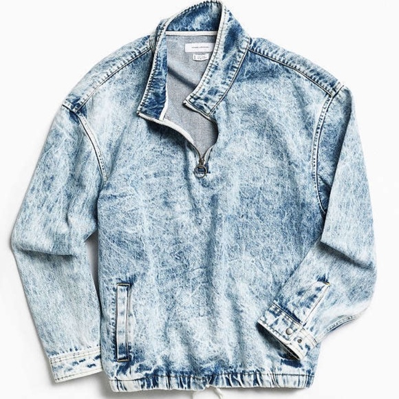 af9a0ccd129 UO BLEACHED DENIM MOCK NECK PULLOVER SHIRT. M 592f44eed14d7be4490b0f79