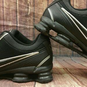 935198b63060 Nike Shoes - NIKE Shox SPARQ P9 Black Shoes Men s Sz 10.5