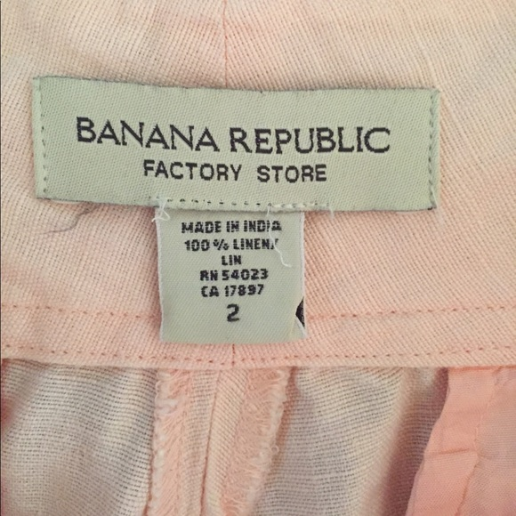 The great thing about shopping at Banana Republic Factory Stores is that you can find all of your favorite looks at even more affordable prices. Get the latest fashions for men and women in sizes that give you the perfect fit.