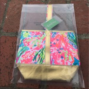 Lilly Pulitzer wine holder/tote