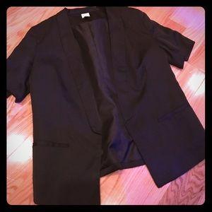 ❤️Lauren Conrad short sleeve black satin blazer