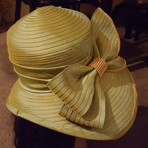 17 Sundays Accessories - Church hat worn once