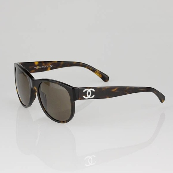 c3f5e2c5073 CHANEL Accessories - CHANEL Tortoise Shell Frame Wayfarer Sunglasses