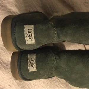 eb79cce7733 *SALE* UGG Australia Lace-Up Olive Shearling Boots