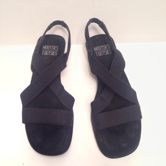 5291fc84f9293 Mootsie Tootsies Black Elastic Sandals 7 1 2. M 592f7c752de51265e0023e03