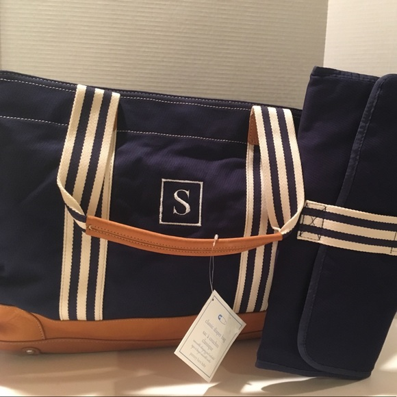 55 off pottery barn handbags pottery barn classic diaper bag navy s new from d5g 39 s closet. Black Bedroom Furniture Sets. Home Design Ideas