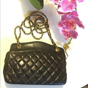 CHANEL Handbags - Authentic classic vintage chanel matelasse