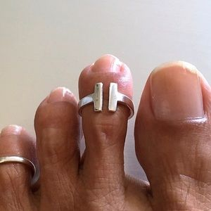 Jewelry - Sterling Silver Open Bars Toe Ring